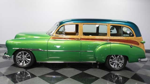 1951-chevrolet-custom-deluxe-woody-wagon-tin-video